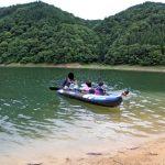 静かな湖畔でカヤックキャンプ 2
